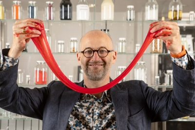 Festival of Stuff talk: Plastic Fantastic with Mark Miodownik
